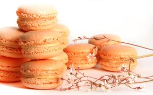 Pale peach macarons in three fruity flavours for a beautiful summer wedding