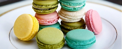 pile of macarons